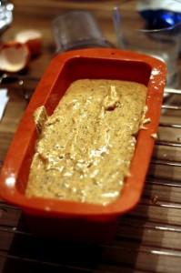 Surowe ciasto na babkę