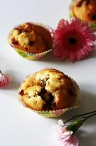 Otwarta muffinka z nutellą i czekoladą